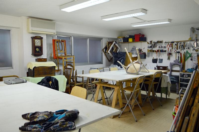 Taller escuela de restauraci n de muebles y tapicer a en - Tapiceria en madrid ...